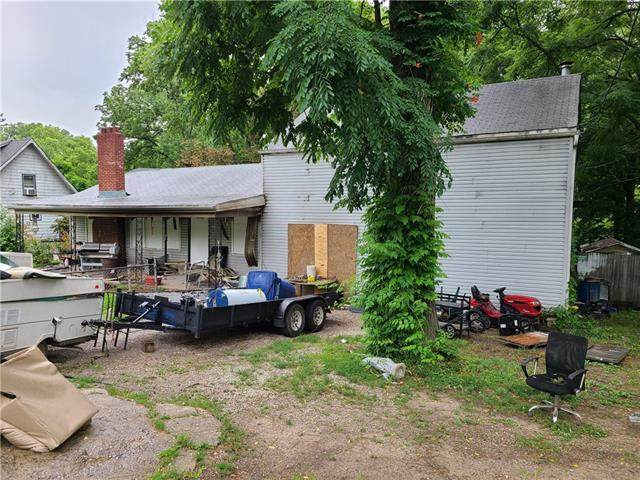 4116 N Bellefontaine Avenue, Kansas City, MO 64117 (#2331655) :: Audra Heller and Associates