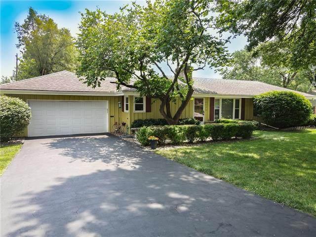 10925 W 51ST Terrace, Shawnee, KS 66203 (MLS #2331697) :: Stone & Story Real Estate Group