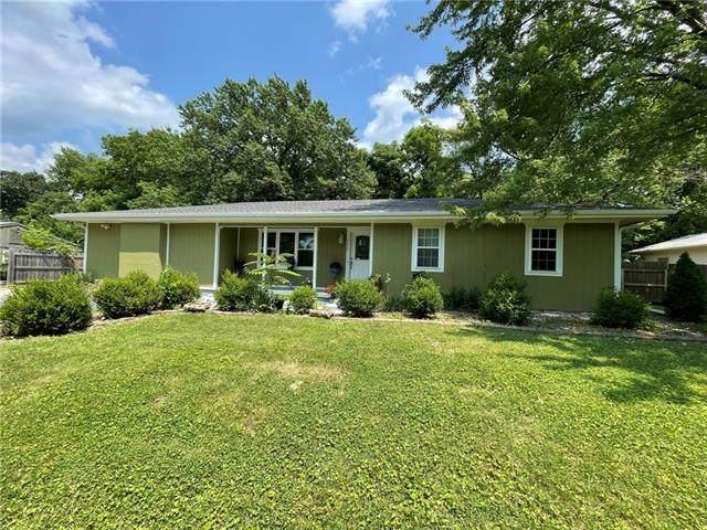 3029 N 82ND Terrace, Kansas City, KS 66109 (#2331704) :: Audra Heller and Associates