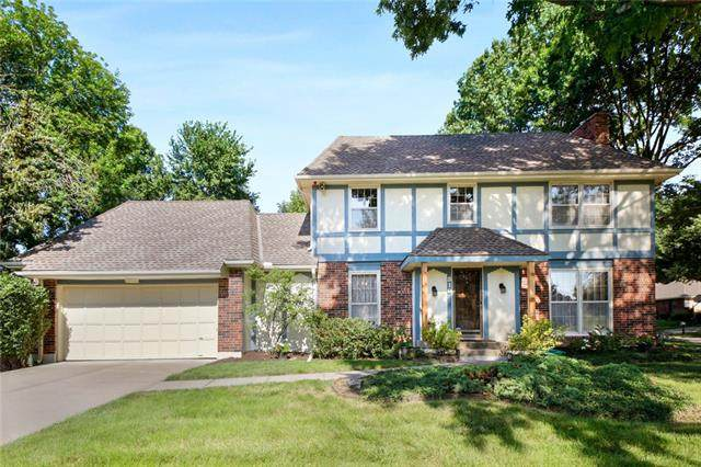 510 NE Clubhouse Drive, Lee's Summit, MO 64086 (#2331775) :: The Rucker Group