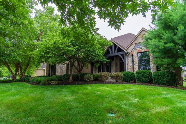 10107 W 152nd Terrace, Overland Park, KS 66221 (#2331808) :: Dani Beyer Real Estate
