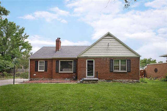7317 Olive Street, Kansas City, MO 64132 (#2331876) :: Five-Star Homes