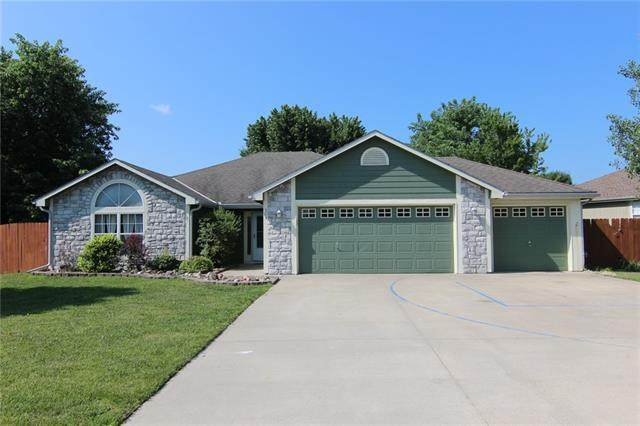 303 Stratton Drive, Eudora, KS 66025 (#2331908) :: Dani Beyer Real Estate