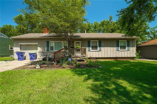 6108 E 148th Terrace, Grandview, MO 64030 (#2332003) :: Tradition Home Group | Compass Realty Group