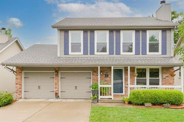 1304 NW 62nd Terrace, Kansas City, MO 64118 (#2332116) :: The Rucker Group