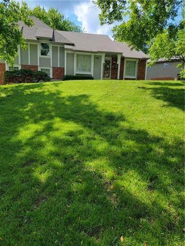 12101 S Summit Street, Kansas City, MO 64145 (#2332250) :: Ron Henderson & Associates