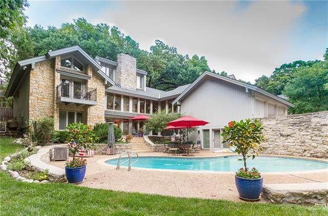 8400 Maplewood Lane, Lenexa, KS 66215 (MLS #2332317) :: Stone & Story Real Estate Group