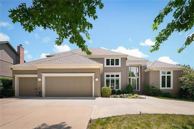 4941 W 138th Terrace, Leawood, KS 66224 (#2332393) :: ReeceNichols Realtors