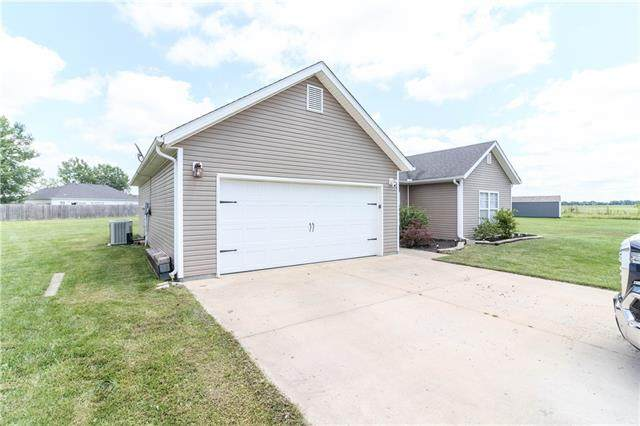 397 SE 971 Road, Knob Noster, MO 65336 (#2332441) :: The Rucker Group