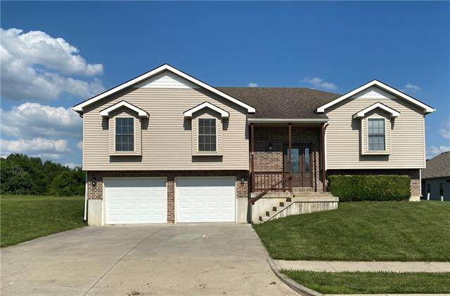 1000 Charles Street, Knob Noster, MO 65336 (#2332498) :: Ask Cathy Marketing Group, LLC