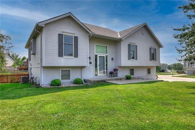 1805 Debrah Drive, Kearney, MO 64060 (#2332554) :: Edie Waters Network