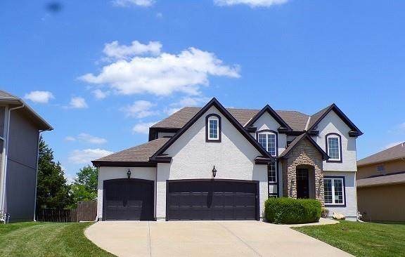 21288 W 112th Terrace, Olathe, KS 66061 (#2332571) :: Audra Heller and Associates