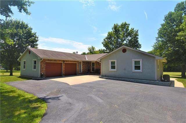 11906 N Home Court, Liberty, MO 64068 (#2332606) :: Audra Heller and Associates