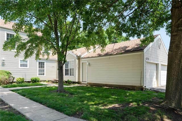 8049 N Stoddard Avenue, Kansas City, MO 64152 (#2332779) :: Five-Star Homes