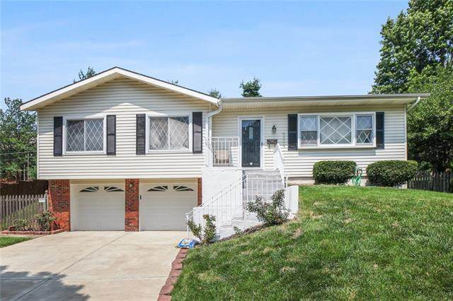 9404 Hadley Street, Overland Park, KS 66212 (#2332822) :: Audra Heller and Associates