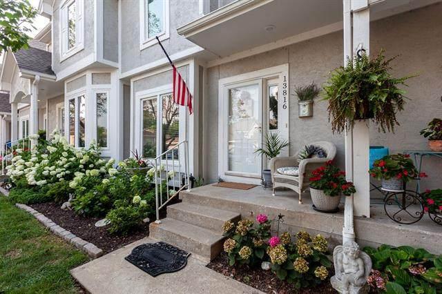 13816 W 58th Terrace, Shawnee, KS 66216 (#2333003) :: The Shannon Lyon Group - ReeceNichols