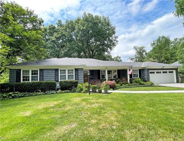 9542 Buena Vista Street, Overland Park, KS 66207 (#2333025) :: Five-Star Homes