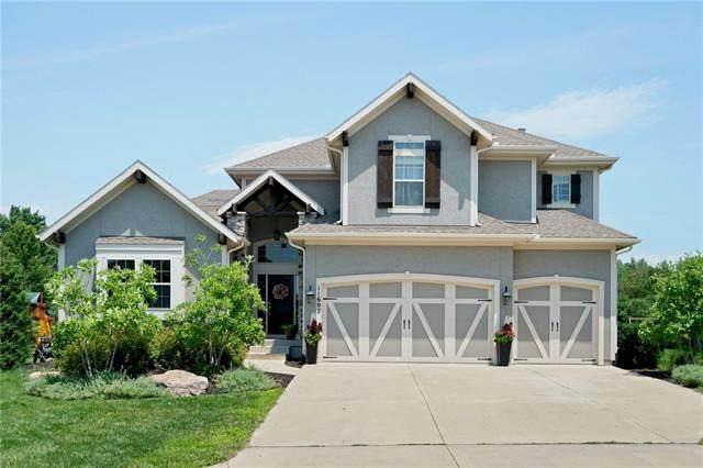 11602 W 157th Terrace, Overland Park, KS 66221 (#2333050) :: Audra Heller and Associates
