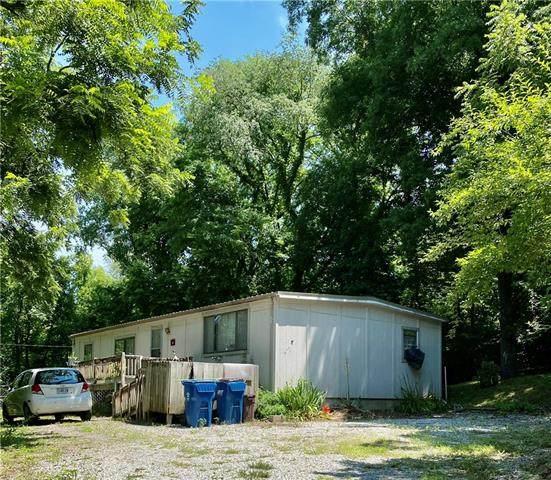 12018 E Smart Avenue, Sugar Creek, MO 64054 (#2333115) :: The Kedish Group at Keller Williams Realty