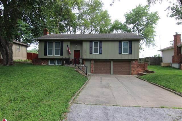 11212 W 51st Terrace, Shawnee, KS 66203 (#2333195) :: ReeceNichols Realtors