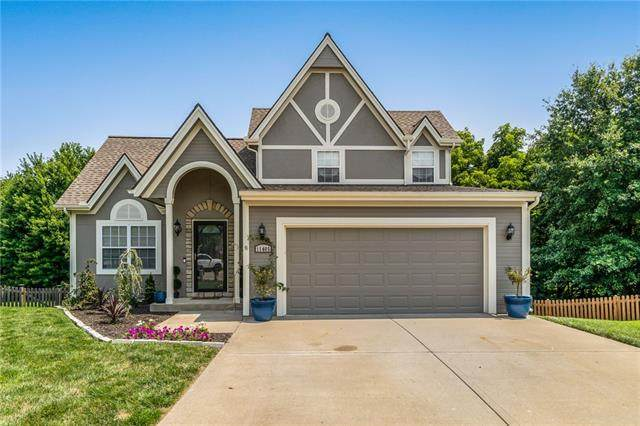 11405 N Manning Avenue, Kansas City, MO 64157 (#2333224) :: Audra Heller and Associates