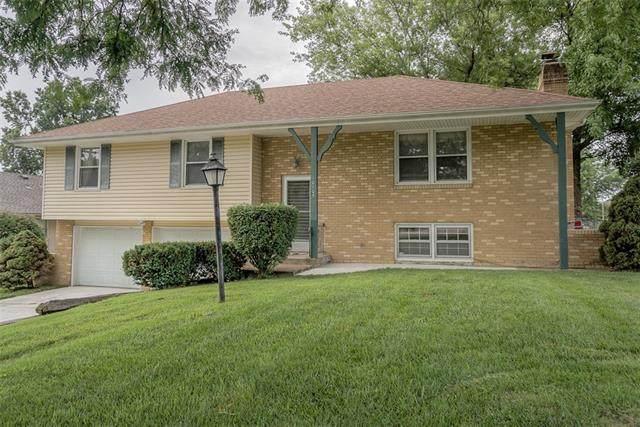 10105 E 83rd Street, Raytown, MO 64138 (#2333256) :: Five-Star Homes