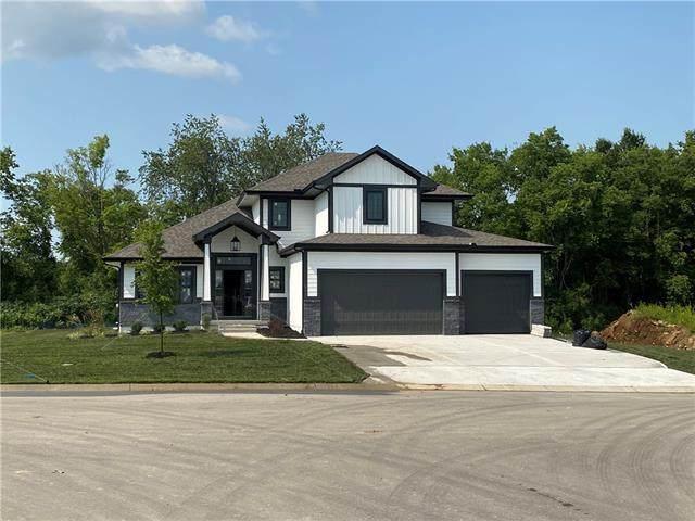 901 SE Larue Street, Blue Springs, MO 64014 (MLS #2333299) :: Stone & Story Real Estate Group