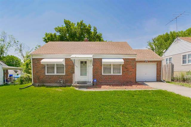 2910 S Crysler Avenue, Independence, MO 64052 (#2333365) :: The Rucker Group