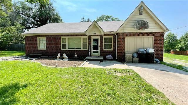 1626 S 52ND Terrace, Kansas City, KS 66106 (#2333462) :: Edie Waters Network