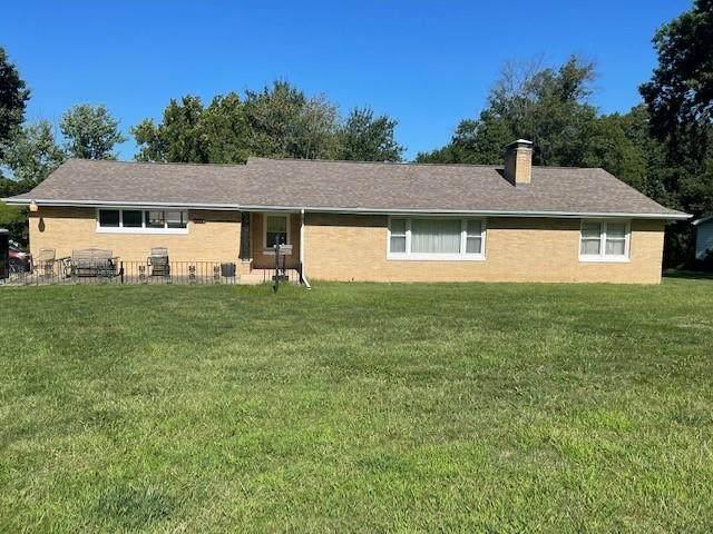 4822 N Kansas Avenue, Kansas City, MO 64119 (#2333625) :: Austin Home Team