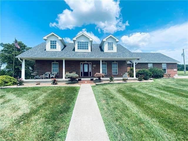15158 Vv Highway, Sweet Springs, MO 65351 (#2333709) :: Eric Craig Real Estate Team