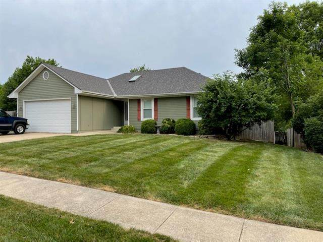 19200 E 31st Terrace, Independence, MO 64057 (#2333931) :: Ask Cathy Marketing Group, LLC
