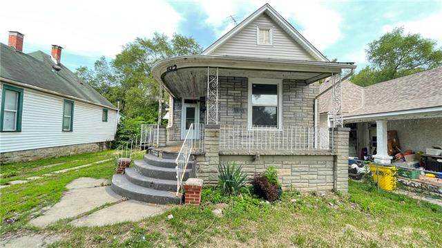 1512 S 15th Street, Kansas City, KS 66103 (#2333993) :: Five-Star Homes
