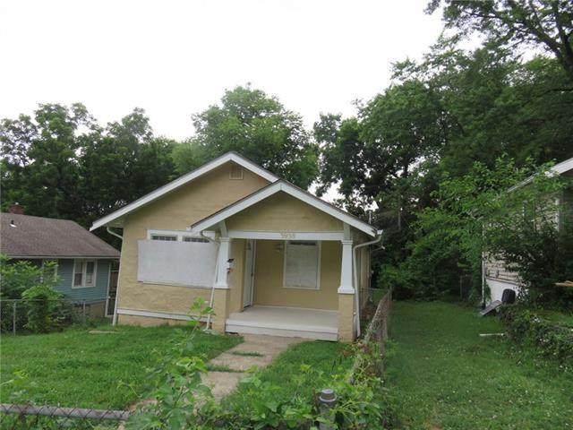 3938 Myrtle Avenue, Kansas City, MO 64130 (#2334002) :: Ron Henderson & Associates