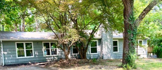 608 E 96th Street, Kansas City, MO 64131 (#2334010) :: Five-Star Homes