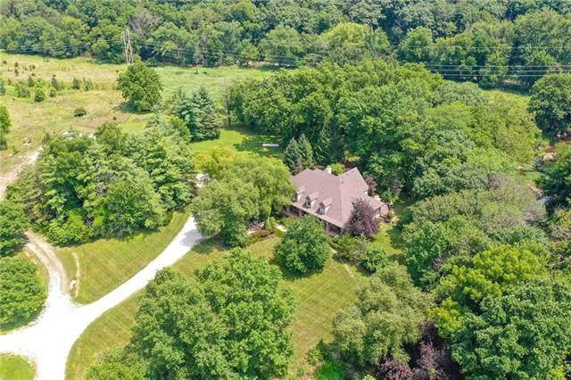 17355 Metcalf Place, Overland Park, KS 66085 (#2334018) :: Eric Craig Real Estate Team