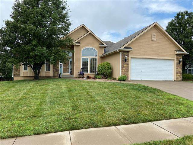 13830 Station Drive, Platte City, MO 64079 (#2334075) :: The Rucker Group