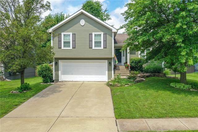 628 N Winwood Terrace, Gardner, KS 66030 (#2334122) :: The Gunselman Team