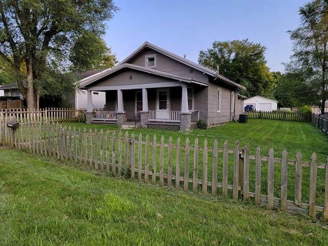 403 E Osage Street, Paola, KS 66071 (#2334154) :: The Kedish Group at Keller Williams Realty