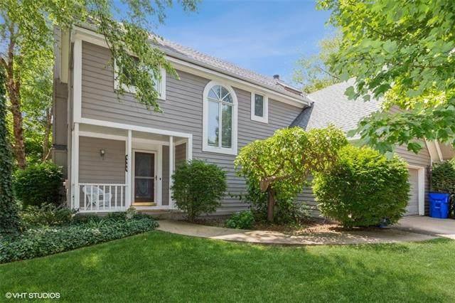 1400 E Meadow Lane, Olathe, KS 66062 (#2334174) :: Austin Home Team