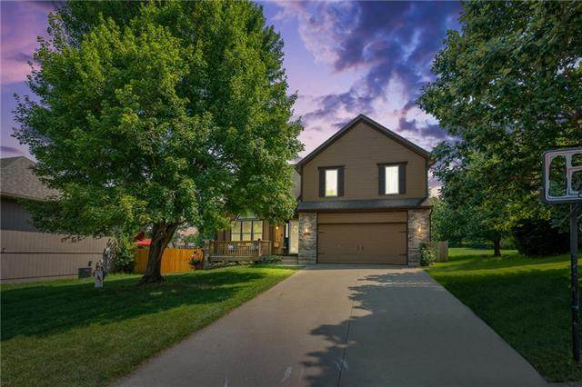 108 NE Stonebridge Court, Blue Springs, MO 64014 (#2334203) :: Tradition Home Group | Better Homes and Gardens Kansas City