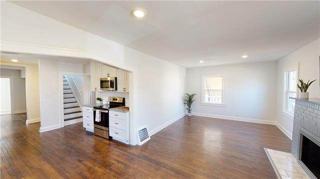 731 E 63rd Terrace, Kansas City, MO 64110 (#2334209) :: Audra Heller and Associates