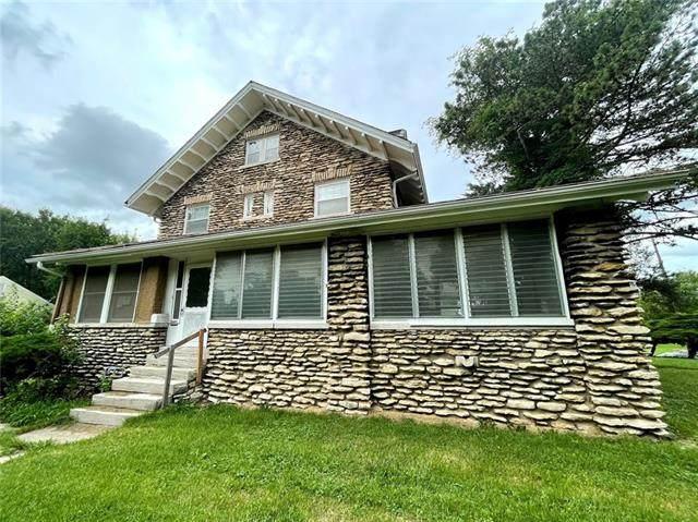 3500 S Benton Avenue, Kansas City, MO 64128 (#2334228) :: Edie Waters Network
