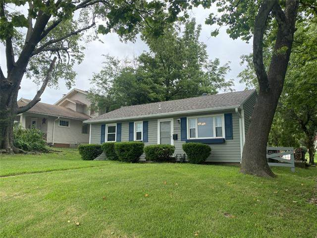 2919 Duncan Street, St Joseph, MO 64507 (#2334239) :: Tradition Home Group | Compass Realty Group