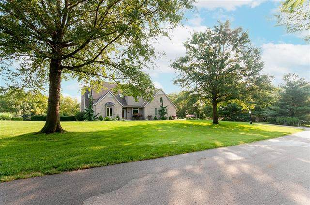 22800 SW Hampton Court, Blue Springs, MO 64015 (#2334262) :: The Rucker Group
