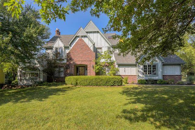 15190 Granada Road, Leawood, KS 66224 (#2334274) :: Eric Craig Real Estate Team