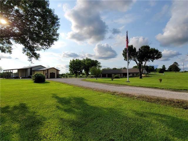 982 240th Street, Fort Scott, KS 66701 (#2334364) :: Eric Craig Real Estate Team
