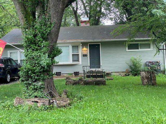 11429 Richmond Avenue, Kansas City, MO 64134 (#2334370) :: Audra Heller and Associates