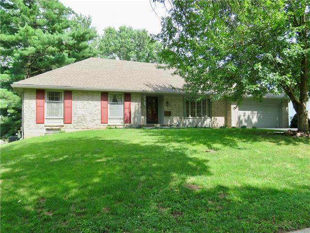 3601 S Forest Avenue, Independence, MO 64052 (#2334474) :: The Rucker Group
