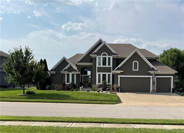 1514 Cross Creek Drive, Raymore, MO 64083 (#2334684) :: The Gunselman Team
